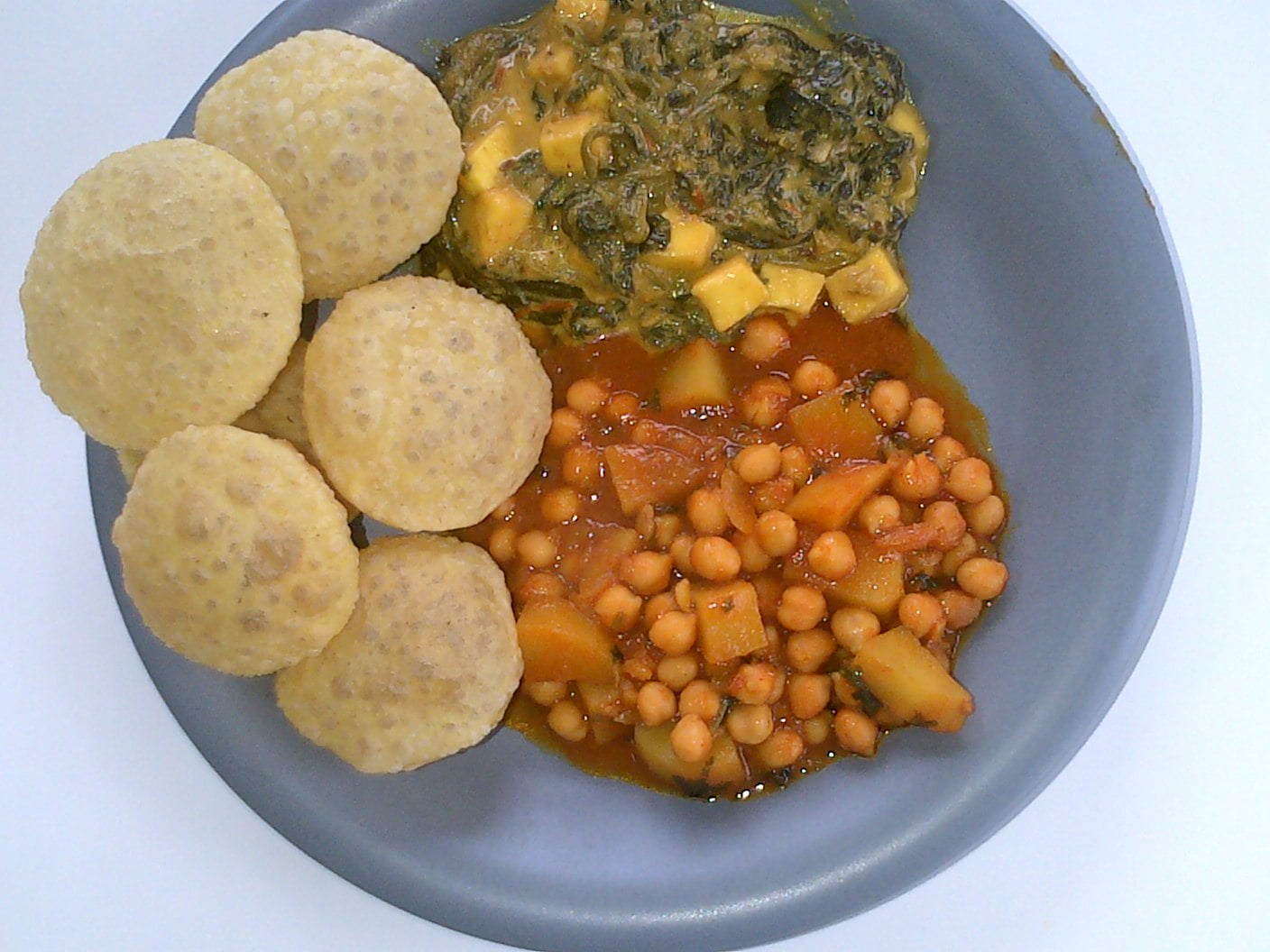 Chick Pea Potato Mix, Spinach and Paneer and Hot Puris